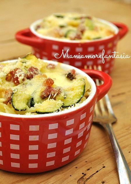Un timballo originale di spaghetti con zucchine e pancetta che vi farà fare un figurone con i vostri commensali, leggi la ricetta sul blog, clicca sul link.