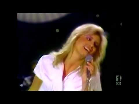 ▶ Olivia Newton-John- Magic **best version**(white outfit)[digital] hi*fi - YouTube