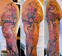 Résultats Google Recherche d'images correspondant à http://www.nitrotattoos.fr/images/tatouage-fleurs-de-cerisier-d0512f18.jpg