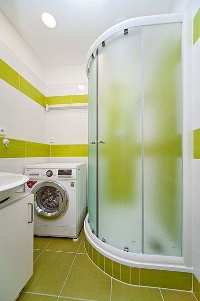 Velká část rekonstrukce se odehrála v koupelně, která získala svěží vzhled.