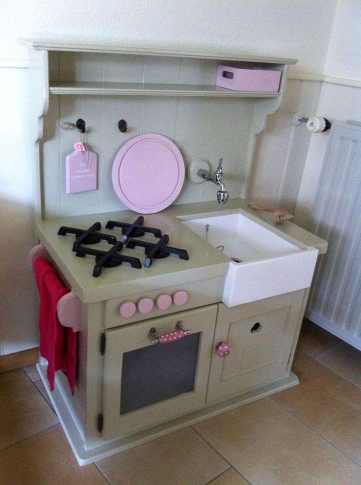 Bekijk de foto van jp82 met als titel een nostalgische kinderkeuken  en andere…