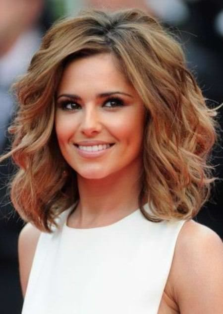 20 Medium length haircuts for thick hair. Stunning and amazing medium haircuts for thick hair. Blow this season with these amazing haircuts.