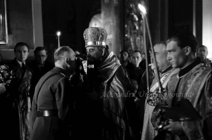 G8.Chisinau.Marschall Antonescu küsst Heiligenbild