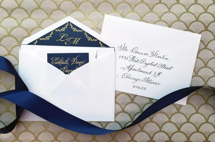 kartu undangan nikah simple dengan liner amplop warna biru dan juga pita