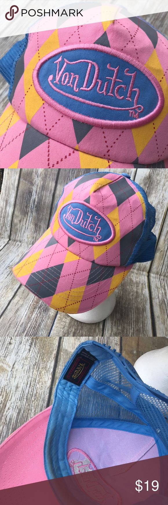 Von Dutch Hat Pink Truckers Snapback Cap Plaid Fabulous Von Dutch pink gray yellow blue hat. Nice emblem on the front. This item is preowned. It does have some discoloration on the brim. Please see photos for accurate description. Fast ship. Von Dutch Accessories Hats