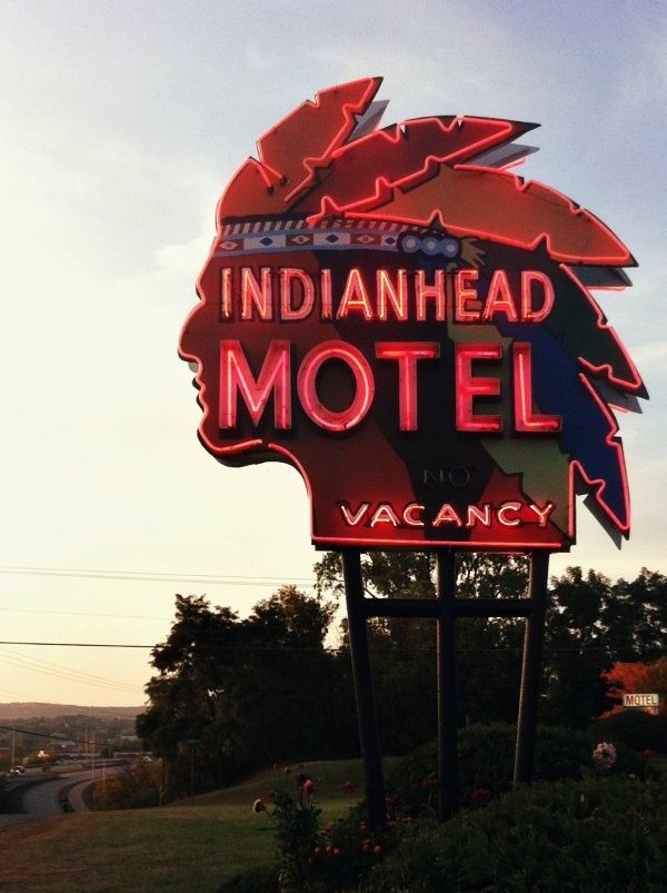 Wisconsin vintage neon sign Indianhead Motel
