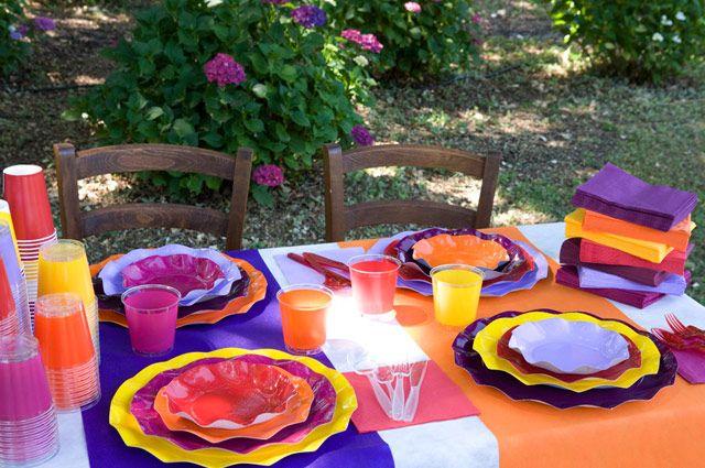 Piatti tovaglioli bicchieri sottopiatti e tovaglia usa for Piatti e bicchieri per feste bambini