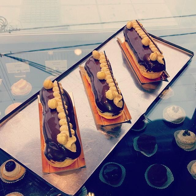 Awe inspiring, really fresh and really delicious éclair. Or with one word chocorgasm.
