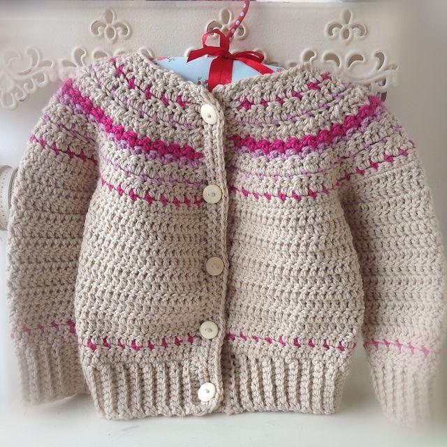 Ravelry: Isleish Fair Isle Estilo Suéter Cardigan para Niños y Niñas patrón por Sarah Lora