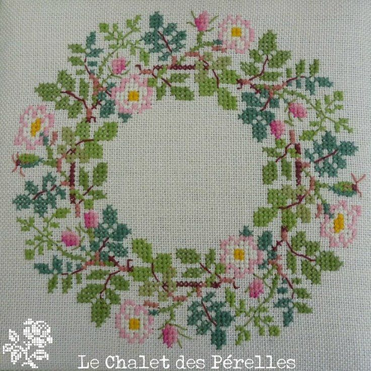 Cross stitch flower wreath from Le Chalet de Pérelles