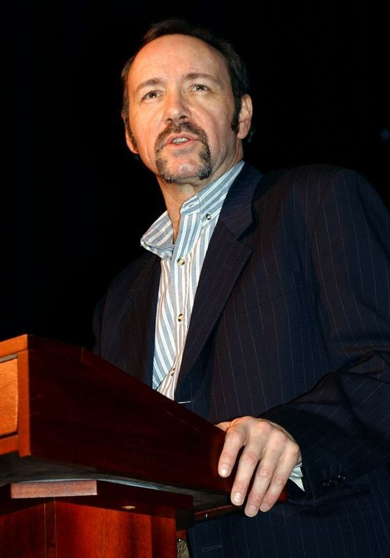 Kevin Spacey • Kevin leaps off the balcony during his 'One Knight...