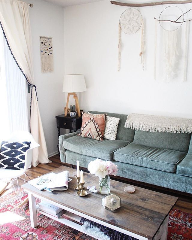 Does your place need some sprucing up? Head to the UO Blog to see the special touches that make @jenievamarie's space feel like home. #UOHome