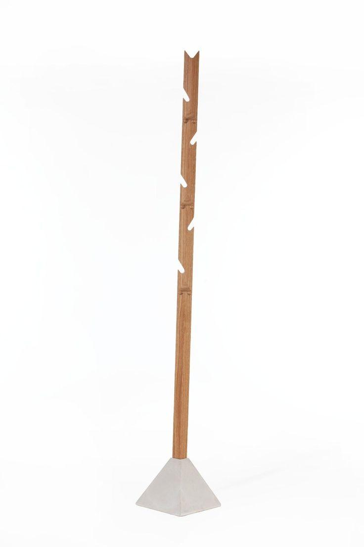 Perchero de pie de madera TEE - TON