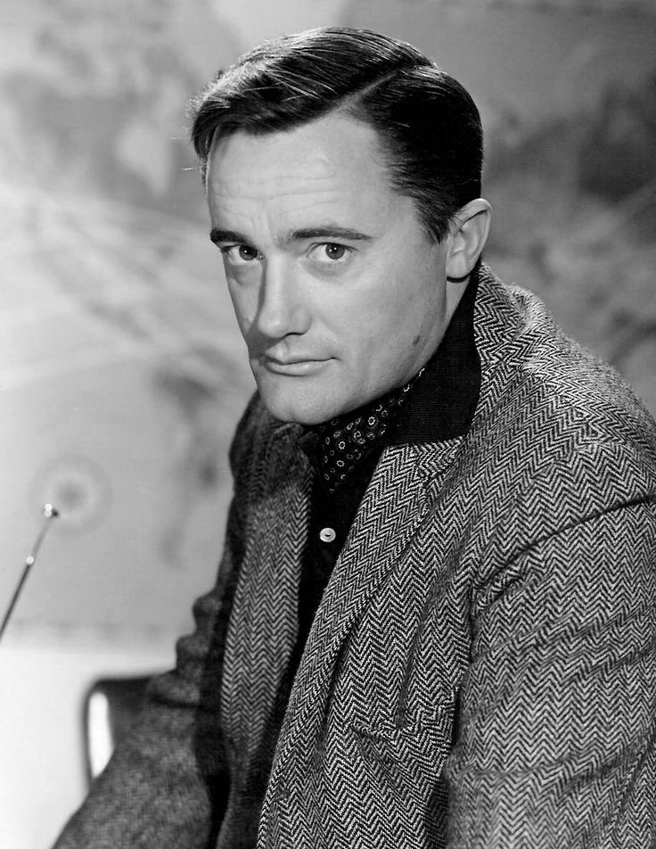 Robert Francis Vaughn (born November 22, 1932) is an American actor noted for stage, film and television work. Description from fameimages.com. I searched for this on bing.com/images