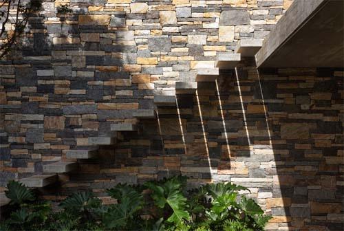 by Studio mk27-Marcio Kogan » Stone Elevation in V4 House by Studio ...