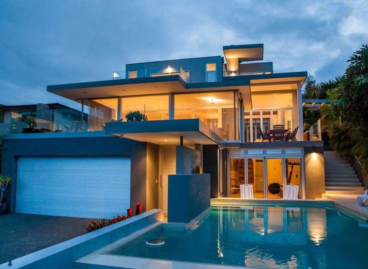 Modern House Design #arquitetura #architeture #pin_it @mundodascasas See more here: www.mundodascasas.com.br