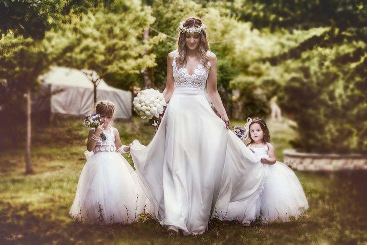#thebridetobe #realbride #costantinobrides #peonies #muslin #weddinggown #silkdress #bridaldress