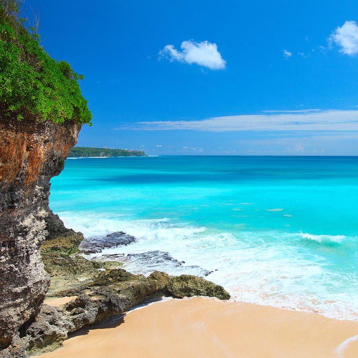 Un paradiso senza tempo, dove la barriera corallina disegna un mosaico di assoluta bellezza; benvenuti a Bali l'Isola degli Dei.