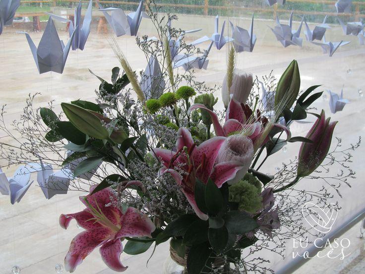 """""""Diante da vastidão do tempo e da imensidão do universo, é um imenso prazer para mim dividir um planeta e uma época com você."""" E somos gratos a vocês! Nosso universo se torna melhor, no dia em que suas escolhas ganham um novo significado, Sheila e Renato! Sempre na minha mente, sempre no meu coração!  19 de novembro de 2017 Recanto da Pérola - Limeira-SP  #eucasovoces #celebrante #loveismyreligion #celebracao #casamento #tsuru"""