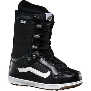 The polls are in, and the best-selling Vans boot of all time—the Men's Hi-Standard Snowboard Boot—has been the go-to choice for freestyle shredders for over 15 years. With its flexible feel and luxurious fit, the Hi-Standard delivers comfortable performance for everyone from pro pipe riders to beginners learning to slide boxes.