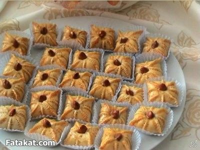 حلويات مغربية باللوز