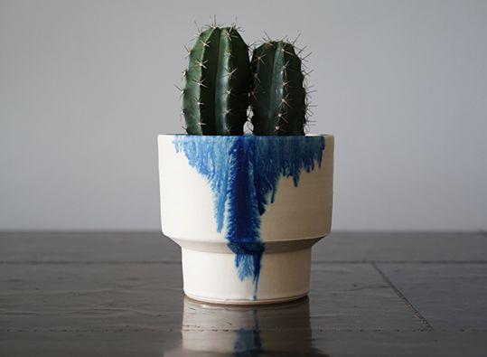 MISHIM POTTERY CREATION(ミシンポタリークリエイション)の陶器製プランターポットです。