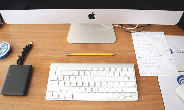 Un graphiste freelance, c'est comme une agence de communication, mais en plus petit, à taille humaine. Un indépendant n'a donc pas de salariés, il est seul dans son entreprise. Ca à l'air triste comme &cc