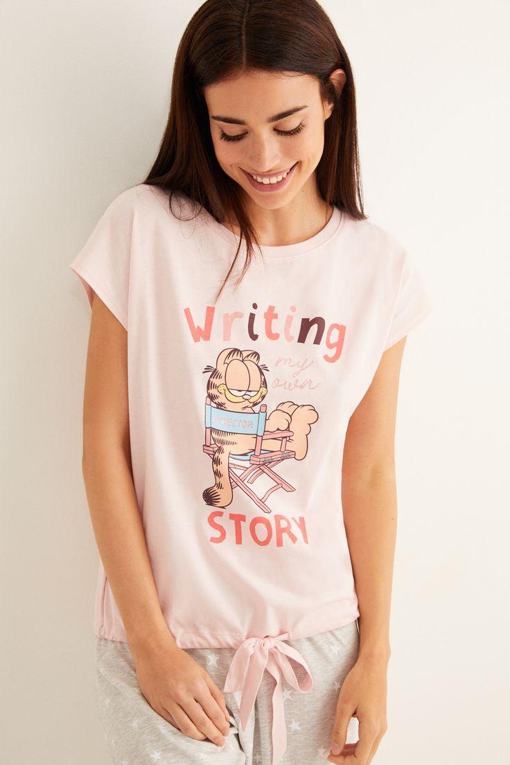 Conjunto de pijama 100% algodón, compuesto por pantalón largo estampado de topos y camiseta de manga corta a juego, con dibujo de G… | Women, Pajamas women, Clothes