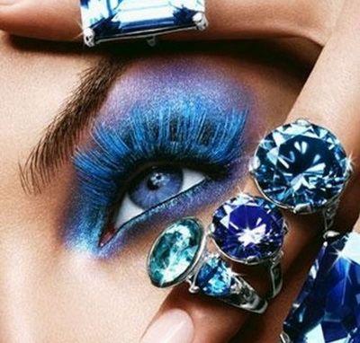 Серый и синий макияж для голубых глаз
