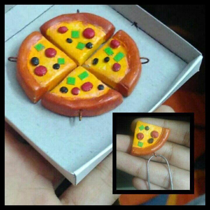 """""""Pizza Pendants"""" for a perfect squad! #diy #squadgoals #originals"""