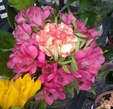 květinová úprava (81 pieces)