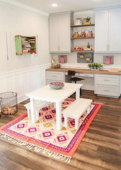 In Love with this cute little table & the bowl full of crayons~Fixer Upper season 3 Chip2.0