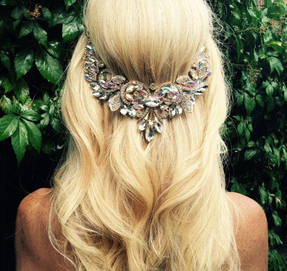 Wedding hair jewelry, Hair chain accessory, bridal hair chain, clear crystal jewels and gold chain, Boho wedding head piece. Beach wedding