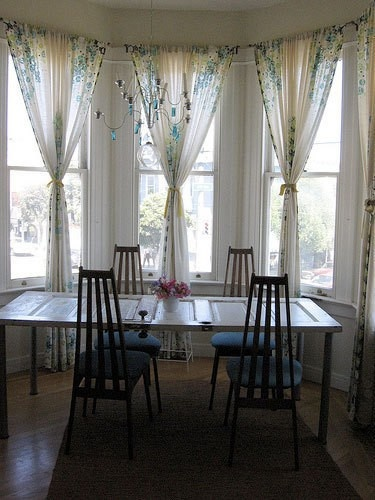 curtains for bay window... maybe tie the curtains in knots?Dining Room, Decor Ideas, Windows Covers, Curtains Ideas Bays Windows, Doors Tables, Bay Windows, Bays Windows Curtains, Windows Treatments, Curtains For Bays Windows