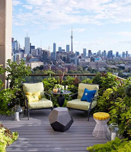 Outdoor seating area and dining furniture, small garden design and roof top patio ideas