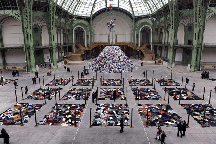 Les 65 meilleures images du tableau l 39 art la guerre et la paix sur pinterest la guerre fle - La chambre ovale boltanski ...