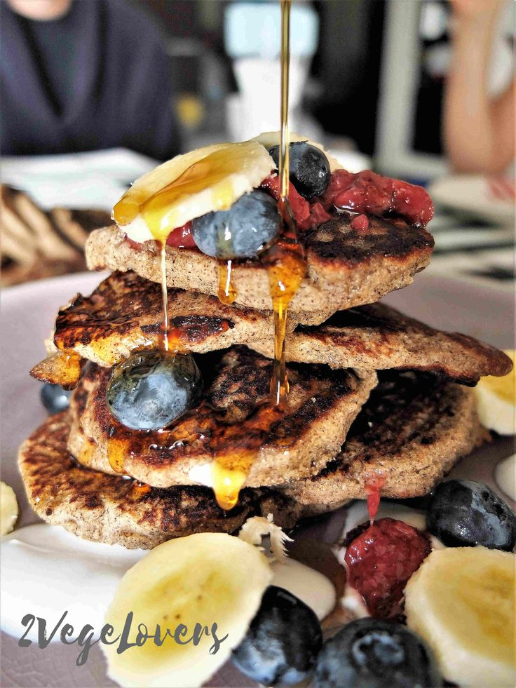 Weekend has begun so it's time for some plant based dessert! Perfect breakfast and dessert in one. Yeast gluten free pancakes with apples. Breakfast like this is just perfect for Saturday's or Sunday's morning when there's much more time for … Czytaj więcej
