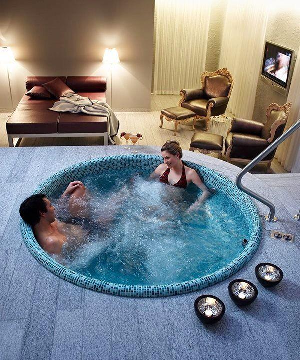 Гидромассажная ванна.