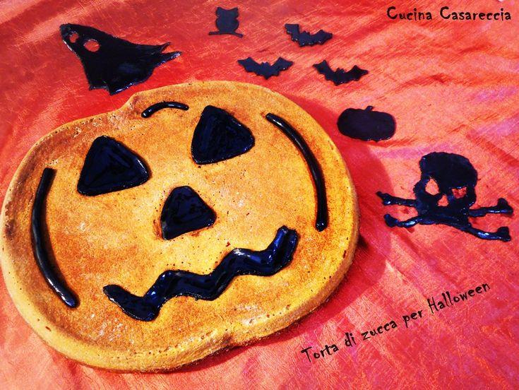 Torta di zucca per Halloween una mostruosa ricetta dolci semplice da preparare facendosi aiutare dai bimbi per le decorazioni con la pasta di zucchero