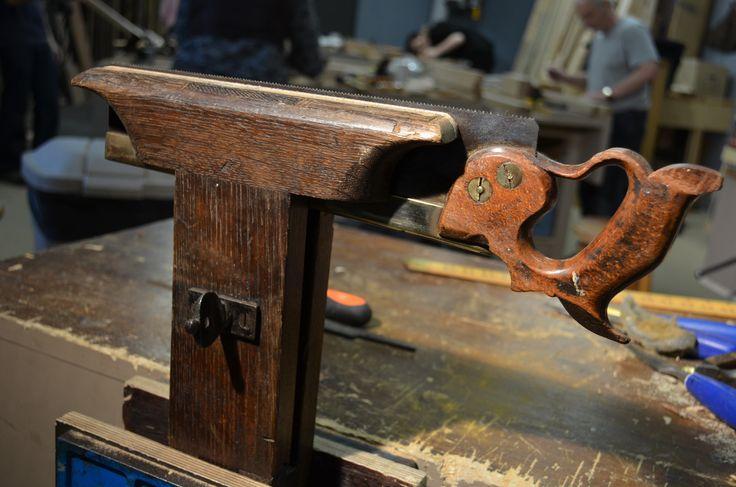 saw sharpening vise in oak - Paul Sellers'blog