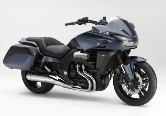 Find the latest news of Uncovered V4 Powered 2014 #Honda_CTX1300 And #CTX1300_Deluxe in india online