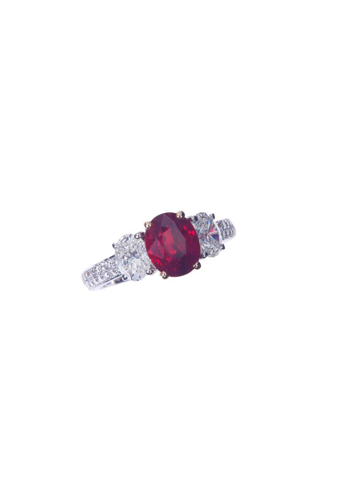 Pegion Blood Burmese Ruby Ring