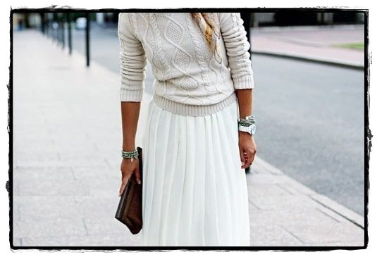 sweater crudo + pollera larga plisada muychule