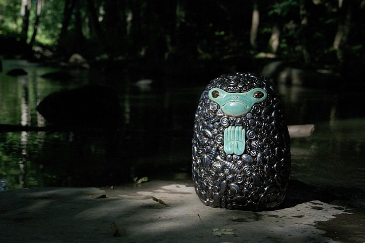 Expressions of Nature: River (Silver Frog), Ville Heimala, 2016. Ceramic sculpture covered with ceramic reliefs, height 23 cm.