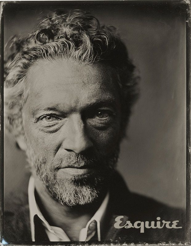 Vincent Cassel.  That FACE. THOSE EYES.  Not traditionally handsome...but soooo emotive. raw. divino!