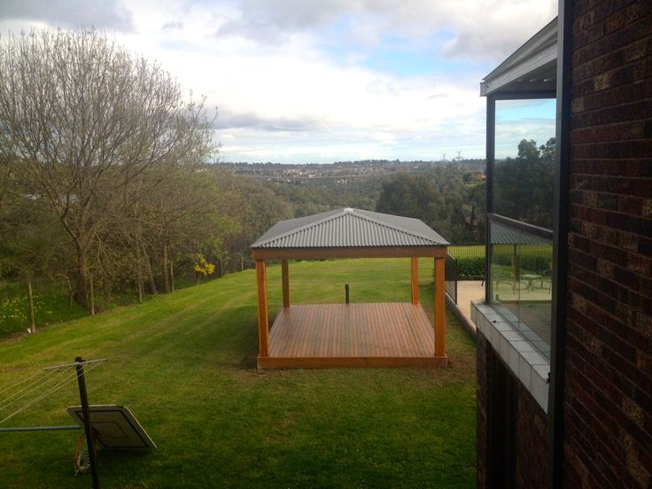 a cold, but sunny morning after finishing off this gazebo in Warrandyte, VIC!