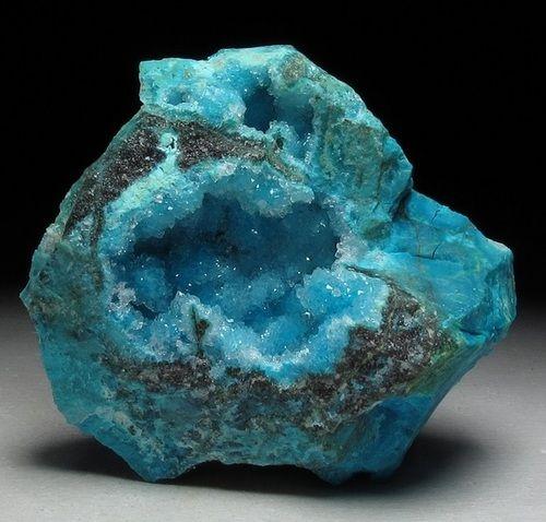 Drusy Quartz over Chrysocolla vug - Acari Mine, Arequipa, Peru