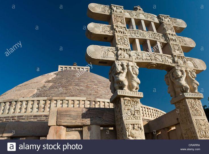 stupas-of-sanchi-unesco-world-heritage-site-built-by-king-ashoka-mauryan-CRARRA.jpg (1300×955)