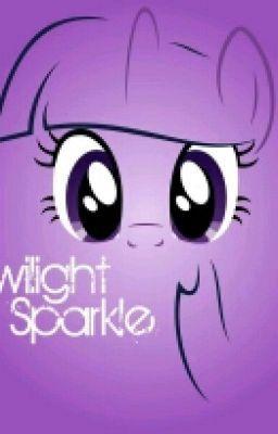 Detras De Una Princesa:Twilight Que Es Eso? - La Princesa Celestia le da un libro a Twilight Sparkle sobre el castillo...
