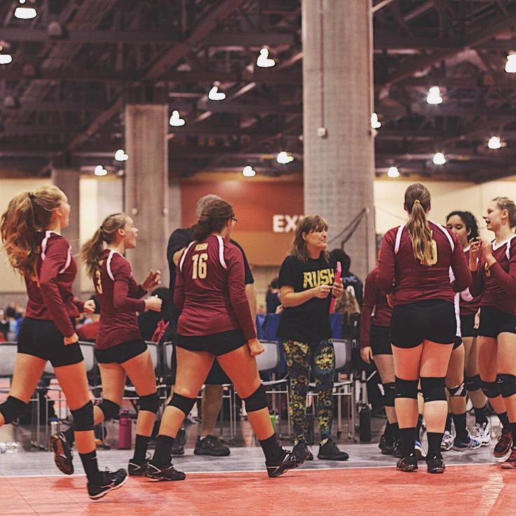 RUSH 15 Gold finished off the day 1-2 vs some great California teams. The girls grabbed their win today against SoCal Volleyball Club with a crazy fun 3 set match. The girls took the third handily by running up an 11-1 lead in the third. We're excited to see the girls and parents enjoy such a great tournament! #RUSHon #RUSH4Life #volleyball #volleyfamily